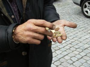 Antiga fábrica de sabão veio abaixo na semana da festa no Centro Histórico. Entretanto Porto e Faro unem-se no Turismo, finalmente vai haver a rua Saramago no Porto e arrumadores passam a precisar de tirar licença